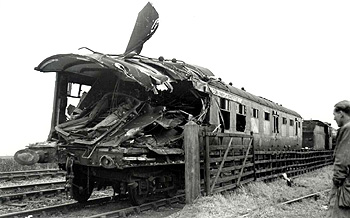 The wrecked express [Z1305/85]